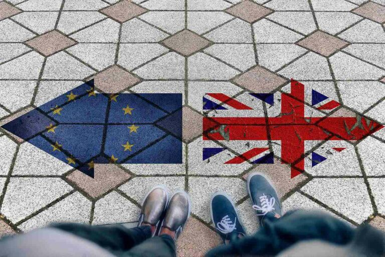Brexit - HMRC and the European Commission publish a guidance documents on the treatment of cross-border operations as of 1st January 2021