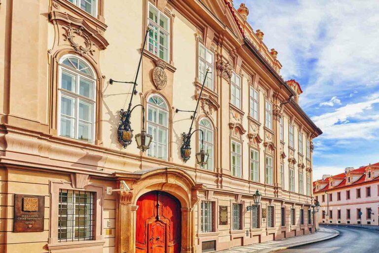 République tchèque : Le Parlement adopte et transpose le paquet relatif à la réforme TVA e-commerce